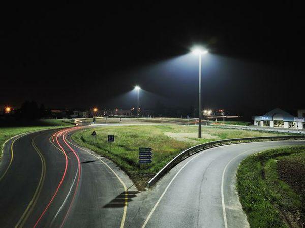 Plafoniere Per Lampioni Stradali : Illuminazione stradale a led pro e contro